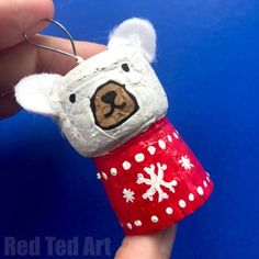 Red Ted Art's Easy Cork Polar Bear Ornament. Upcycle Champagne Corks and Wine Corks and turn them into Simple Polar Bear Cork Ornaments for DIY Christmas Decorations. #Polarbear #christmas #ornament #corks