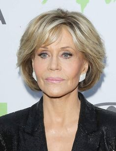 These long hairstyles with bangs are gorgeous. These long hairstyles with bangs are gorgeous. Jane Fonda Hairstyles, Haircuts For Fine Hair, Short Hairstyles For Women, Hairstyles With Bangs, Hairstyle Short, Gorgeous Hairstyles, Hairstyles 2018, Girl Hairstyles, Short Grey Hair