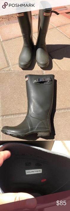 e088e720ec6c Hunter tall matte green boots size 8 Hunter tall matte dark forest green  color boots size