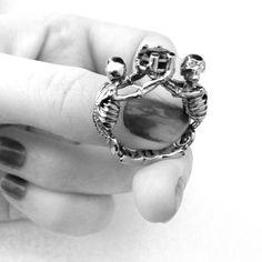 Skeleton ring!