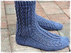 Suvikumpu: Pitsisukat Knitting Charts, Knitting Socks, Knit Socks, Leg Warmers, Handicraft, Slippers, Crochet, Handmade, Tights