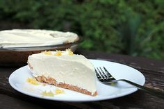 Lemon Pineapple Cream Pie from @Amber | Bluebonnets & Brownies