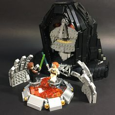 Obi-Wan and Anakin don't know they're being played like puppets in this scene by ZiO Chao. Lego Toys, Lego Lego, Micro Lego, Lego Display, Emperor Palpatine, Amazing Lego Creations, Lego Mechs, Lego Design, Lego Worlds