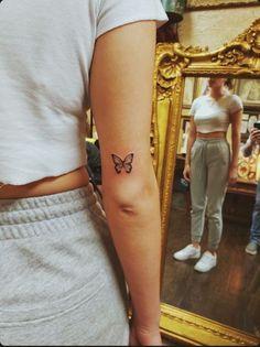 Butterfly Tattoo - - butterfly butterflytattoo Cutejewelry halfbutterflyta small tattoo ideas for women Ecemella - Tattoos Mini Tattoos, Cute Small Tattoos, Unique Tattoos, Cute Tattoos, Small Best Friend Tattoos, Dainty Tattoos, Tattoo Small, Butterfly Tattoos For Women, Small Butterfly Tattoo