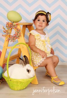 Easter Mini Sessions Photography | love the ladder
