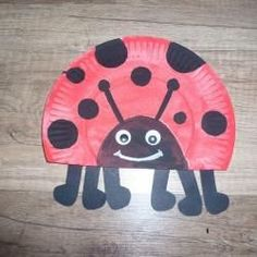 Step Make ladybug from paper plate yourself Schritt Marienkäfer aus Pappteller selbst basteln Step Make ladybug from paper plate yourself Preschool Arts And Crafts, Easter Crafts For Kids, Diy For Kids, Paper Plate Crafts, Paper Plates, Paper Games For Kids, Thanks Card, Spring Crafts, Easy Crafts