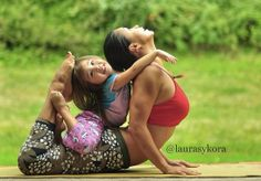 Yoga Mom Laura Kasperzak And Her Kids Show Off Their Awesome Skills! this is too cute!