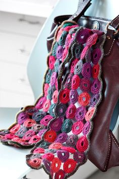 Scarves are my favorite accessories! Can't wait to do one of these. #crochet #scarves