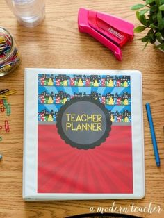 A Modern Teacher Superhero - A fresh, functional, and fabulous Teacher Binder to keep you organized! from www.amodernteacher.com $