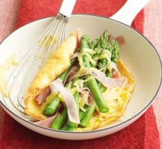 Ham and asparagus omelette | Healthy Food Guide (8 points)