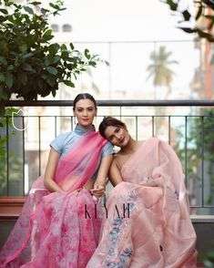33 New Ideas for wedding guest outfit summer classy simple India Fashion, Ethnic Fashion, Women's Fashion, Indian Dresses, Indian Outfits, Organza Saree, Stylish Sarees, Casual Saree, Elegant Saree