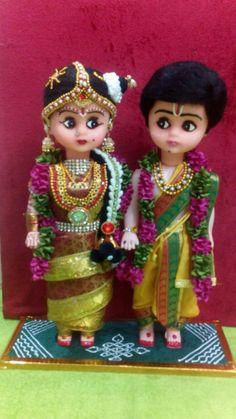Girl Dolls, Barbie Dolls, Fun Crafts, Arts And Crafts, Indian Wedding Favors, Umbrella Wedding, Wedding Doll, Indian Dolls, Wedding Plates