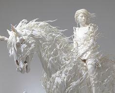 Motohiko Odani Sculptures par Motohiko Odani  Voici les dernières créations de l'artiste Japonais Motohiko Odani.  Cet artiste est né et travaille au Japon, son travail principalement basé sur la sculpture, explore des mondes fantastiques où se mélangent monstres et personnages souvent figés en action ou en mouvement.