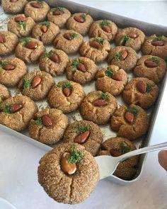 Parmaklarınızı Isıracağınız Balbadem Tatlısı | Kadın Halleri Almond, Deserts, Muffin, Food And Drink, Sweets, Restaurant, Baking, Eat, Breakfast
