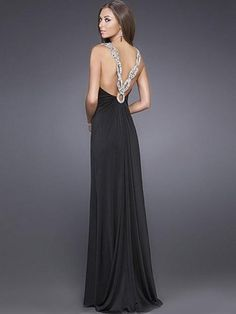 love this dress. I need to find somewhere to wear this.