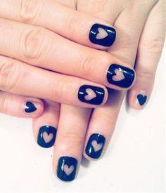 black heart nails #nailart