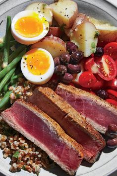 Spruce Up Lunch With a Tuna Niçoise Whole-Grain Bowl How To Cook Potatoes, How To Cook Eggs, Healthy Dishes, Healthy Recipes, Rye Berries, Lunch Recipes, Dinner Recipes, Cooking Light Recipes, Grain Bowl