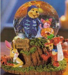 Disney Pooh Trick or Treating Snowglobe