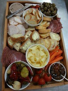 A sample ploughmans lunch platter.