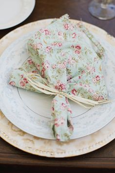 pretty handmade napkins .... i love that they are patterned!! I like the idea of them being mix matched, everyone gets a different napkin. maybe 5 different patterns