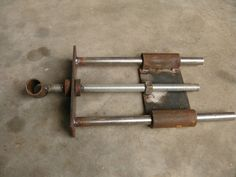 homemade vise hardware - by Greedo @ LumberJocks.com ~ woodworking community