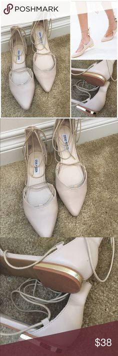 Steve Madden lace up flats Like new perfect condition. No flaw!!! Shoes Flats & Loafers