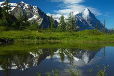 lago-y-montañas-paisajes-naturales