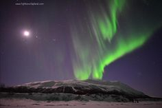 Take a minute to spend the night with northern lights (Photo: Chad Blakley / Lights Over Lapland)