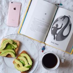 We could really go for a snack right now. #Booksthatmatter #Bookhugs #Bloomingtwig #Yourstory