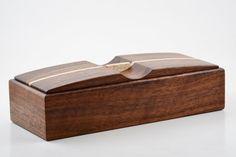 Caja de madera hecha con madera de NOGAL por FineWoodenCreations