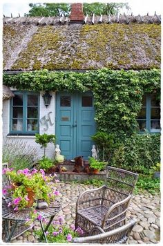 A cottage in Denmark. Cottage Living, Cozy Cottage, Cottage Homes, Cottage Style, Swedish Cottage, Little Cottages, Cottages By The Sea, Garden Cottage, Home And Garden