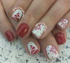 Christmas tree, snowflakes, Christmas nails.