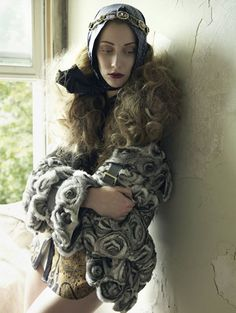 Alana Zimmer by Mark Seliger for Vogue Spain October 2010 (inspired by Grey Gardens)