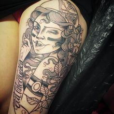 We love this tattoo by @speakeasytattooparlour ! #rollerderbytattoo