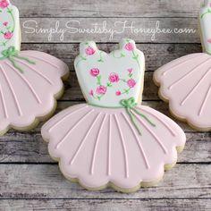 Simply Sweets by Honeybee: Tutu Cookies Kinds Of Cookies, Fancy Cookies, Cute Cookies, How To Make Cookies, Valentine Cookies, Best Sugar Cookies, Iced Cookies, Cookie Frosting, Royal Icing Cookies