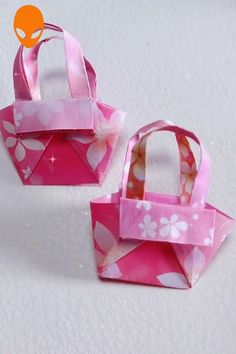 Most up-to-date Pictures handmade Paper Crafts Ideas Paper crafts is usually as diverse as you would like them to be able to be. Through intricate to str Diy Origami, Origami Gift Box, Paper Crafts Origami, Origami Tutorial, Diy Tutorial, Diy Crafts Hacks, Diy Crafts For Gifts, Diy Arts And Crafts, Creative Crafts