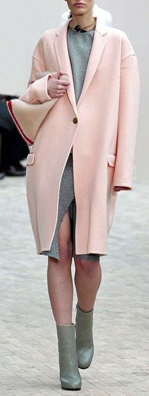 Pink Coat Street Style Inspiration | #sidesmilefaves   The shoes