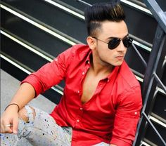 Millind Gaba is an Indian Musician & Youtuber. Let's check, Millind Gaba Biography, Latest Songs, Height, Weight, Affairs, Family, Contact Details & Wiki.