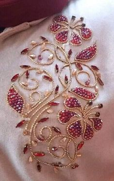 Best Pictures Beadwork embroidery Popular Thread tension can easily make a huge . - Best Pictures Beadwork embroidery Popular Thread tension can easily make a huge affect on how your - Zardosi Embroidery, Pearl Embroidery, Hand Embroidery Dress, Embroidery Neck Designs, Hand Embroidery Videos, Bead Embroidery Patterns, Tambour Embroidery, Couture Embroidery, Creative Embroidery