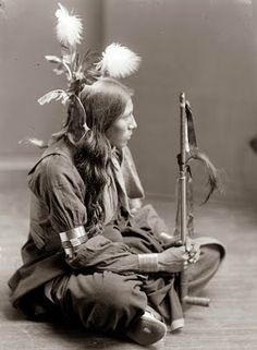 1900, and shows a Sioux Indian man. The picture was taken by Gertrude Kasebier, who took a number of portraits of Native Americans.