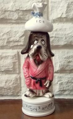 Vintage Mid-Century musical decanter Hound Dog figurine plays 'How Dry I Am' perfect for your Home-Bar