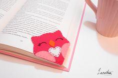 Valentine's day bookmark pink owl with white heart di Lanatema