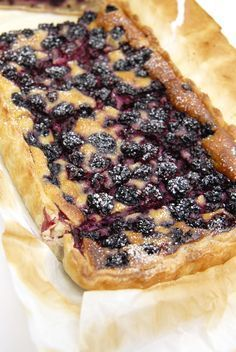 Discover recipes, home ideas, style inspiration and other ideas to try. Tart Recipes, Pizza Recipes, Sweet Recipes, Thermomix Desserts, Easy Desserts, Dessert Recipes, Delicious Deserts, Yummy Food, Healthy Food