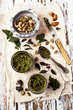 Pistachio Pesto fresh herbal condiments, with homemade or organic herbs. one of the easiest things to make, when use food processor. healthy, mood lifting and delicious. Pistachio Pesto, Cooking Recipes, Healthy Recipes, Pesto Recipe, Snacks, Sauce, Chutney, I Love Food, Hummus