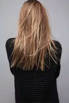 For more staight hairstyle inspo click here!  http://dropdeadgorgeousdaily.com/2014/06/easy-hairstyles-for-straight-hair/
