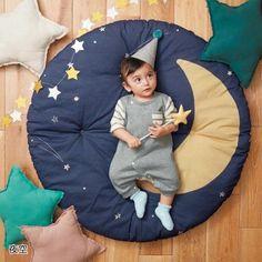 Alfombras nido para tu bebé   Bebeazul.top Baby Room Diy, Baby Boy Rooms, Baby Room Decor, Baby Bedding Sets, Baby Pillows, Baby Play, Baby Toys, Baby Set, Knitted Hats Kids