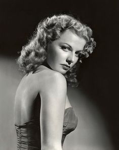 """Clara Lou """"Ann"""" Sheridan (February 1915 – January was an American actress and singer. Old Hollywood Stars, Hollywood Icons, Old Hollywood Glamour, Golden Age Of Hollywood, Vintage Hollywood, Hollywood Actresses, Classic Hollywood, Vintage Versace, Vintage Dior"""