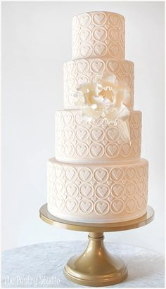 too cute! #weddingcake #hearts