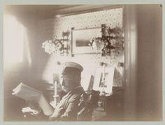 """anoniem   Lezende Keizer Wilhelm II in uniform in zijn hut, attributed to Paul Güssfeldt, c. 1889   Maakt onderdeel uit van het album """"Erinnerungen an Norwegen im Juli 1889"""""""