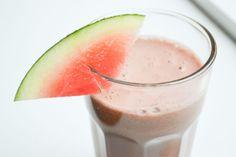 Een fris watermeloen komkommer sapje is een superhydraterende juice, die je maakt in een handomdraai. Lekker zomers! Het recept vind je hier.